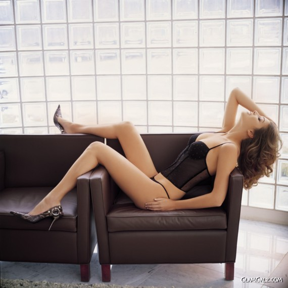 8abbfe1ec3 Re  Lisa Cazzulimi for Ambra Lingerie. « Reply  6 on  June 04