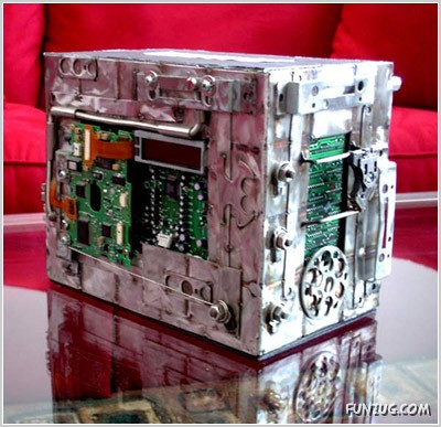 Artistic Pieces from Discarded Computer Parts