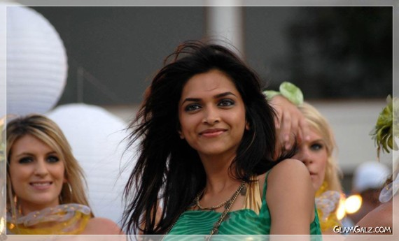 Lovely Deepika Padukone Dance Sequence