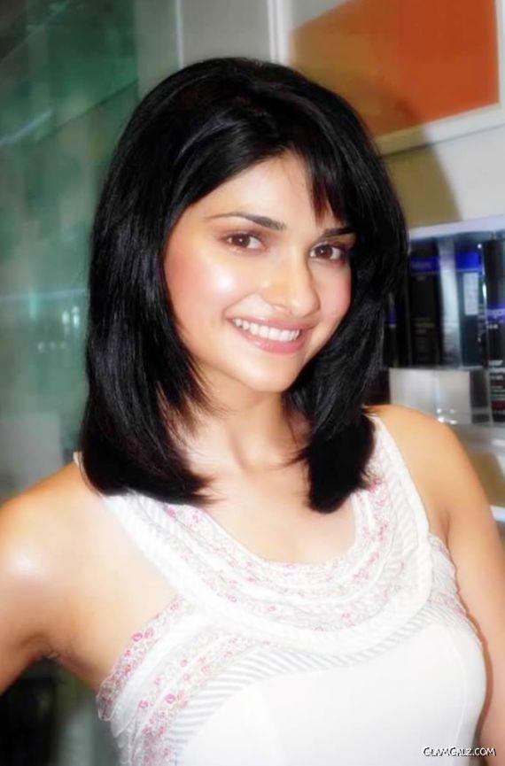 Desi Actress Prachi Desai
