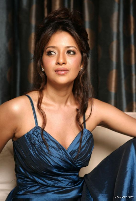 Gorgeous Reema Sen Photoshoot