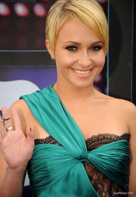 Hayden Panettiere Graces CMT Awards