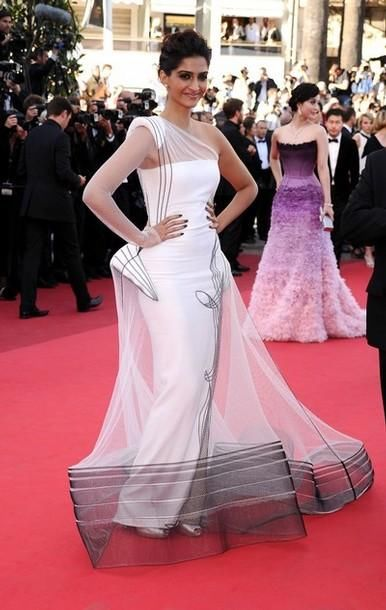 Beautiful Sonam Kapoor At The Cannes 2011