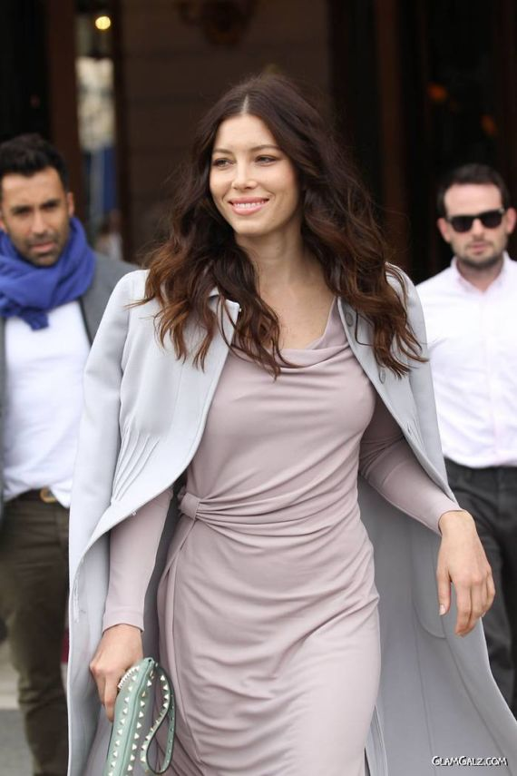Jessica Biel Way To The Fashion Show In Paris