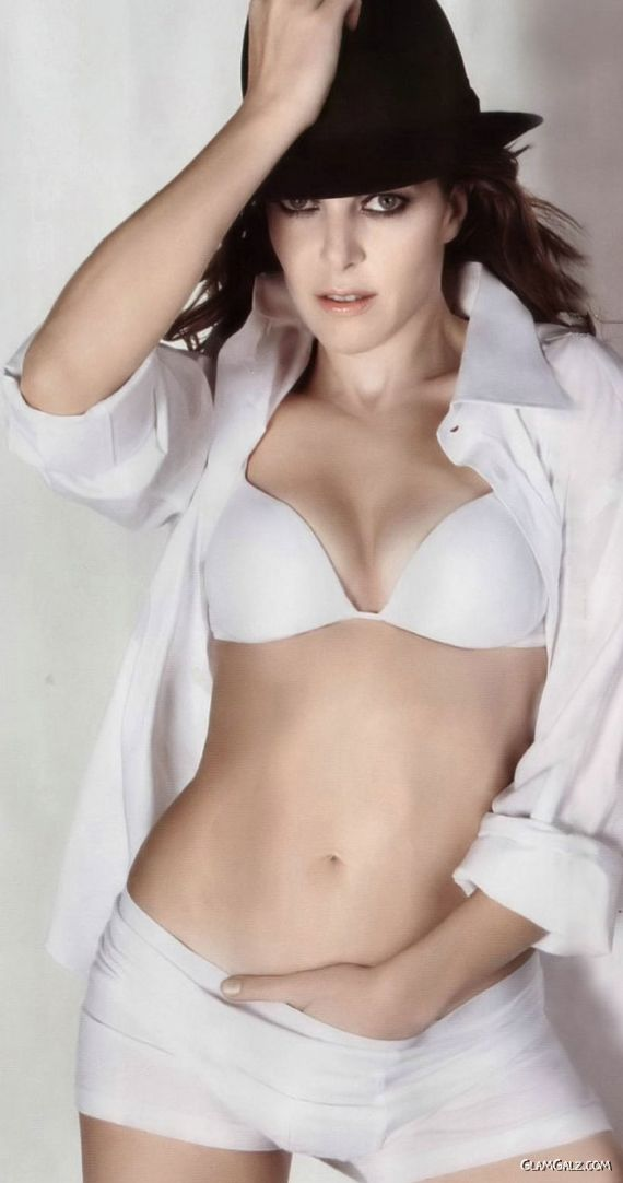 Pretty Claudia Gerini Photoshoot