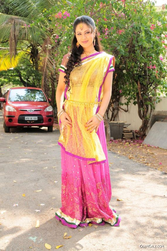 Pretty Pooja Bose Photo Shoot