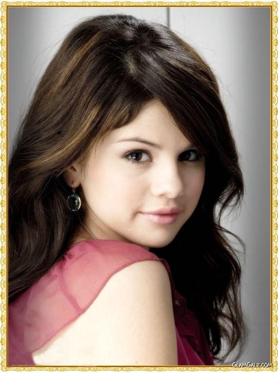 Lovely Selena Gomez Photoshoot