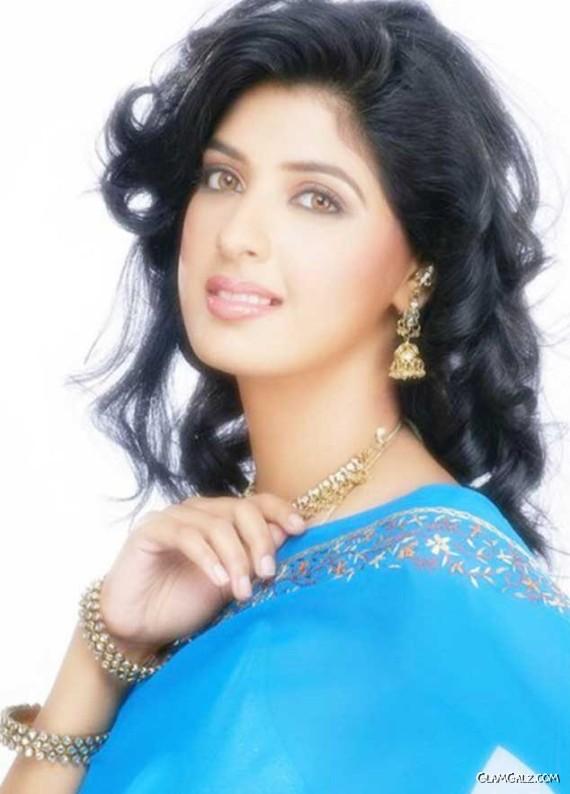 Actress Aishwarya Sakhuja Photoshoot