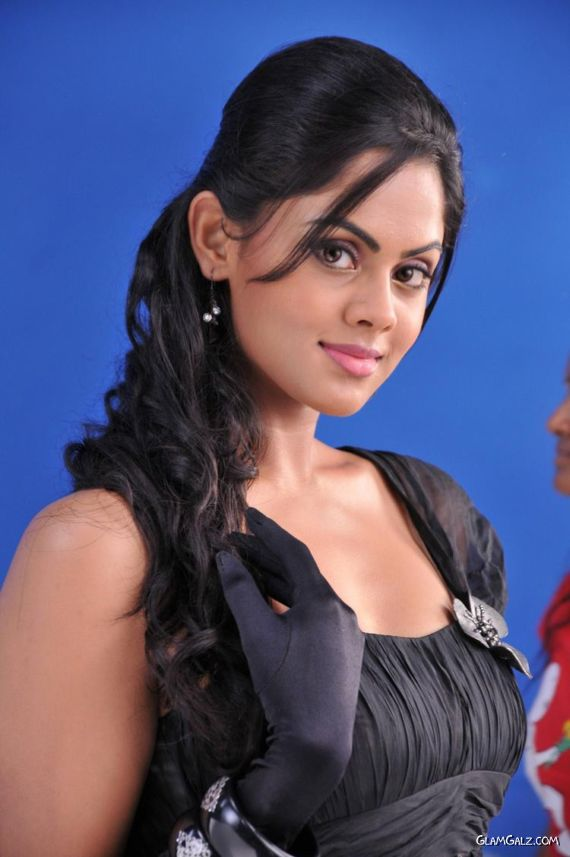 Beautiful Tollywood Actress Karthika Nair