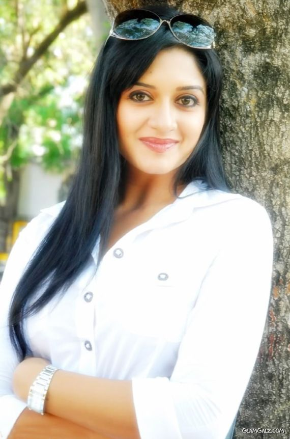 Pretty Tolly Beauty Vimala Raman