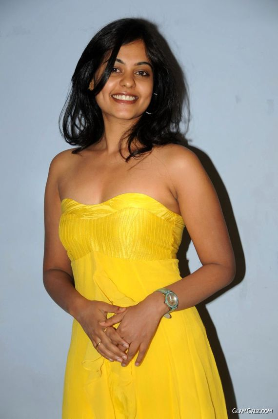 Smiling Beauty Bindu Madhavi