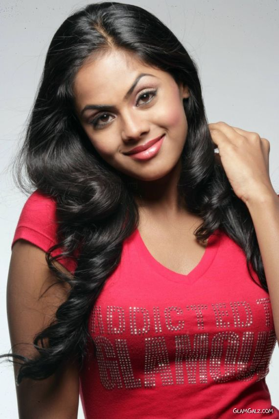 Beautiful South Indian Actress Karthika