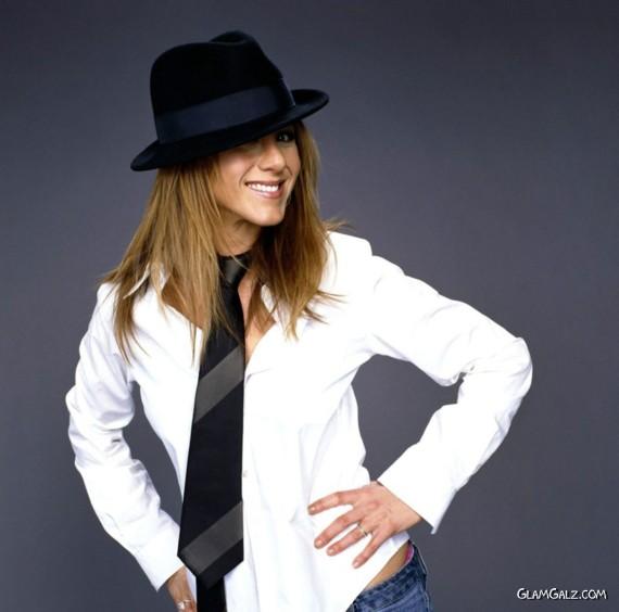 Click to Enlarge - Jennifer Aniston Stylish Wallpapers