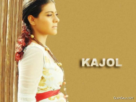 Click to Enlarge - Evergreen Bollywood Beauty Kajol Wallpapers