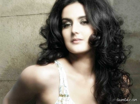 Click to Enlarge - Beautiful Tulip Joshi Wallpapers