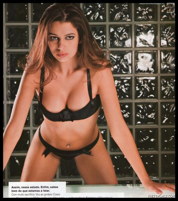 Ana Ferreira Heating up FHM