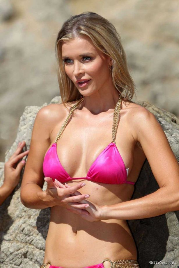 Joanna Krupa Bikini Fun In Santa Monica