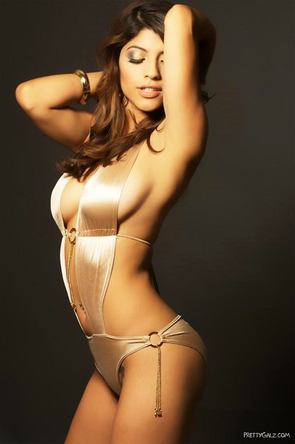 Astonishing Mexican Model Erika Medina
