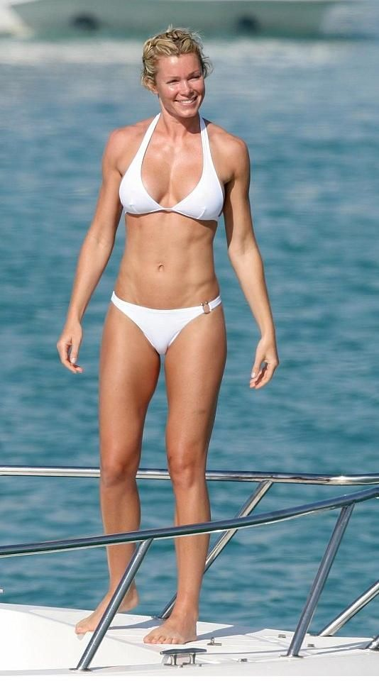 Nell McAndrew Lovely Photo Gallery