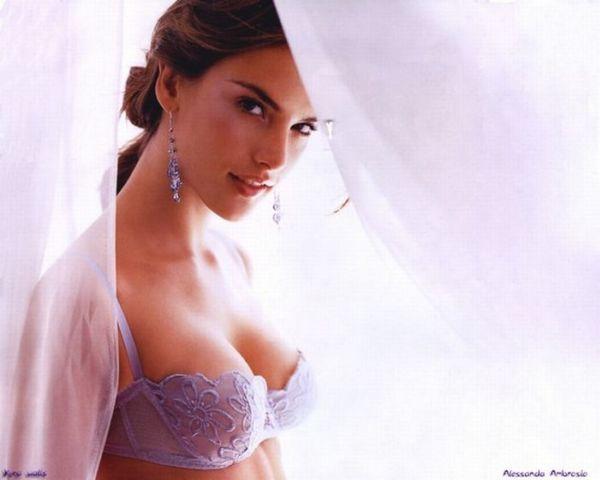 25 Hottest Victoria Secret Models Since 1977