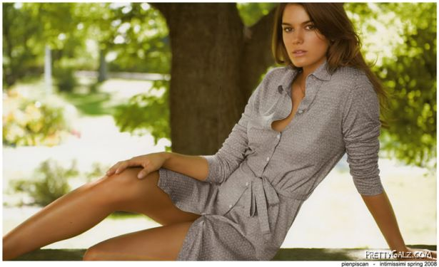 Italian Fashion Model Yesica Toscanini